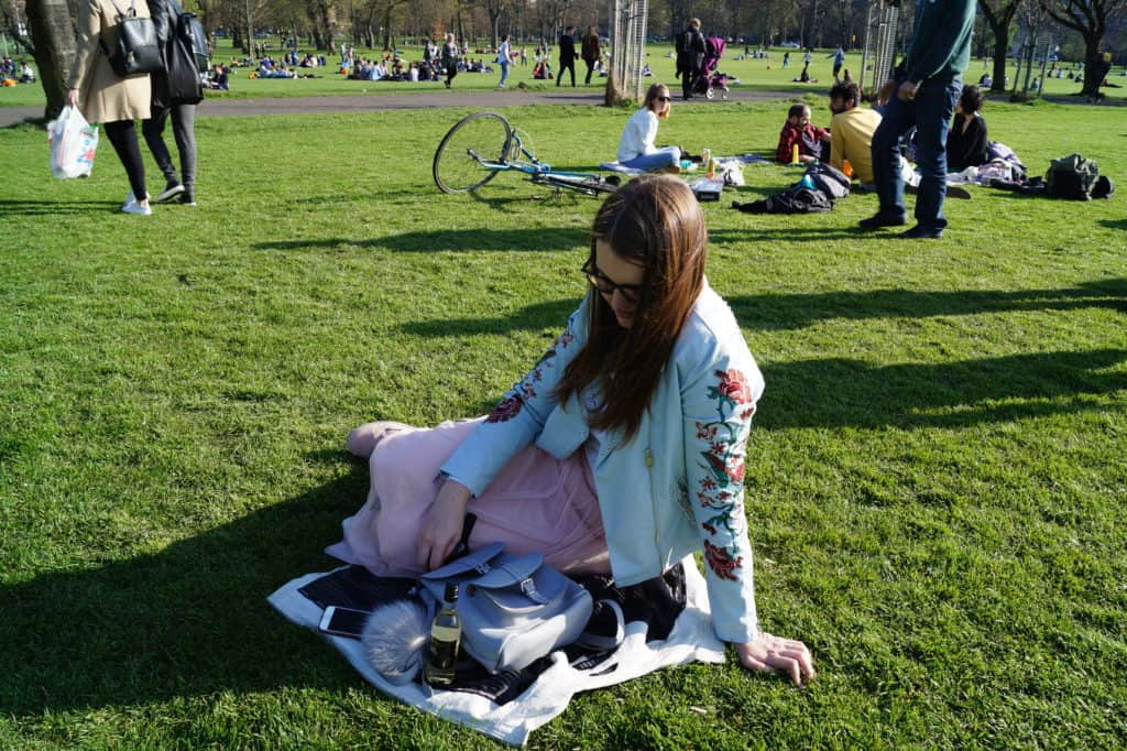 15 absolutely free things do in Edinburgh, Scotland - picnic in Meadows