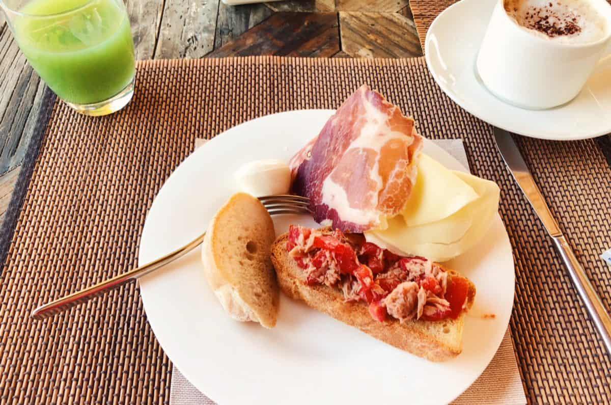 Breakfast in Garden & Villas Resort Ischia